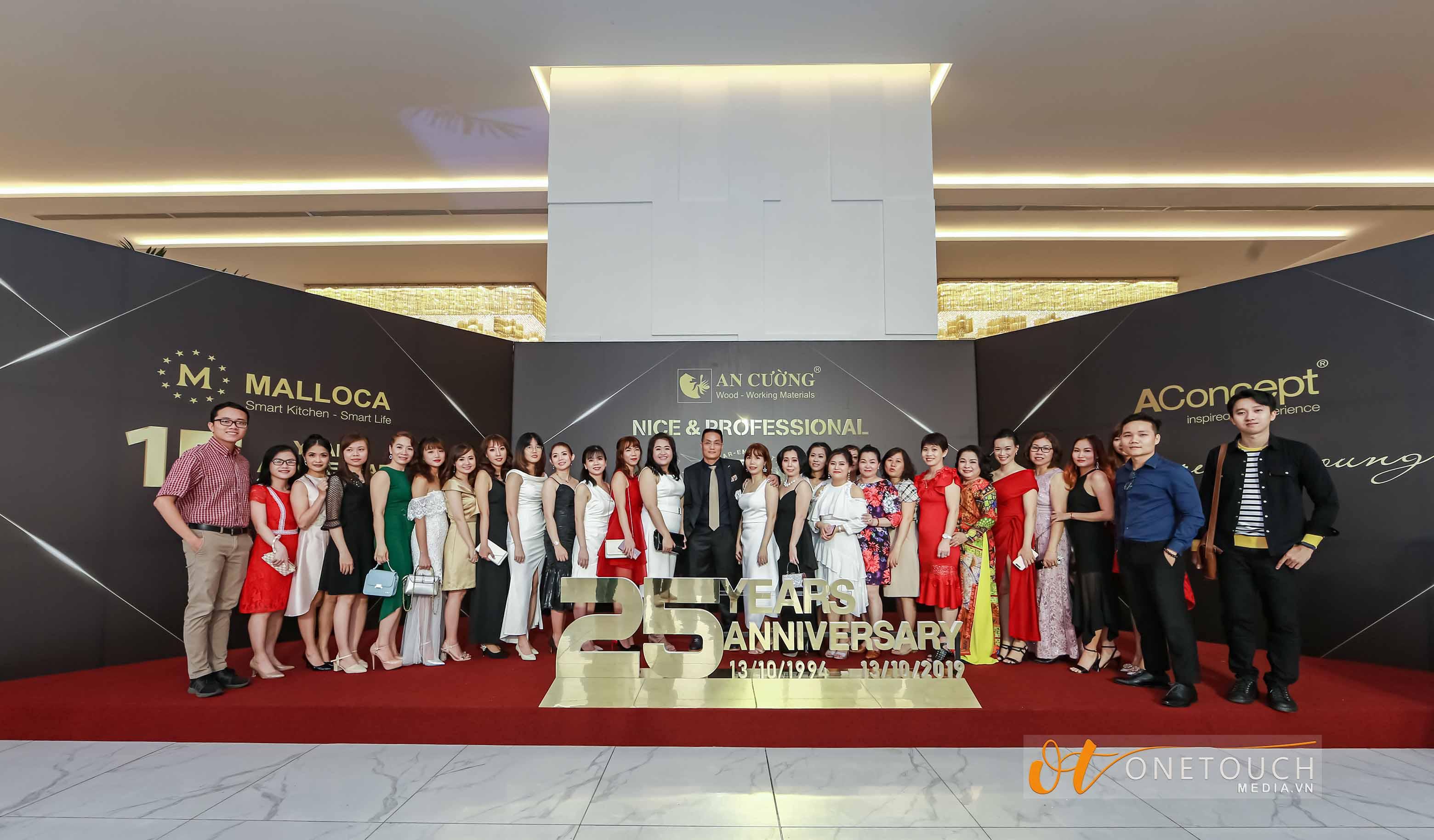 chụp hình sự kiện tại Sài Gòn